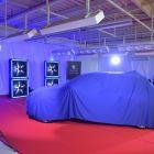 Predseda vlády SR otestoval prvý elektromobil e-208 vyrobený v Trnave